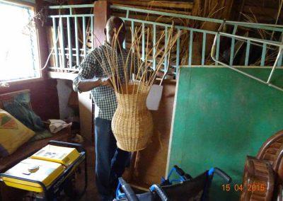 Ein Gewerk: Korbflechterei